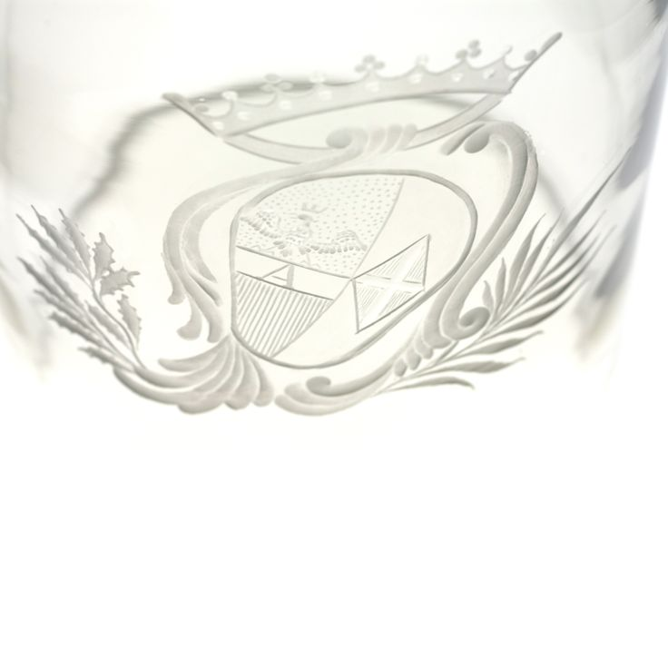 Engraved crest from Giberto Venezia's Goto glass collection