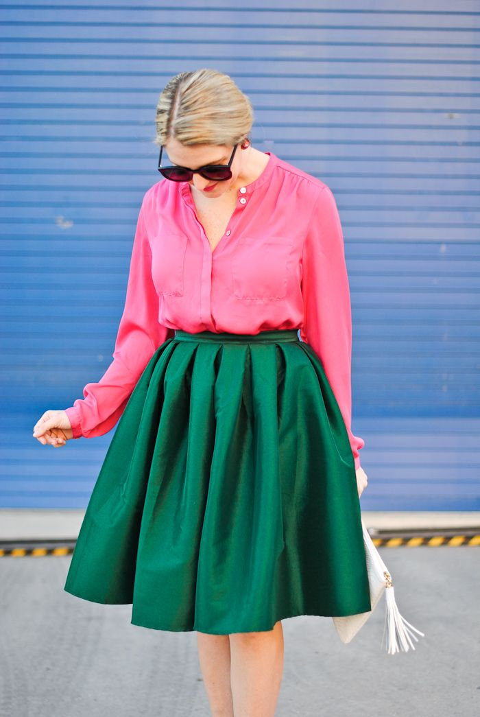 Pink blouse and green skirt. This would be perfect for Pink & Green Weekend on Martha's Vineyard!
