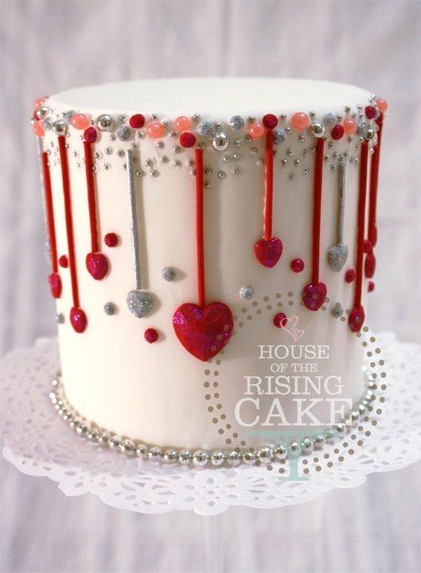 So cute! Make the hearts pink and I have a great wedding cake idea!