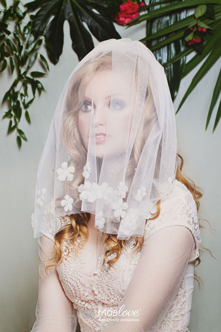 Sure | silk flowers and crystals veil - MoaLove Accessories