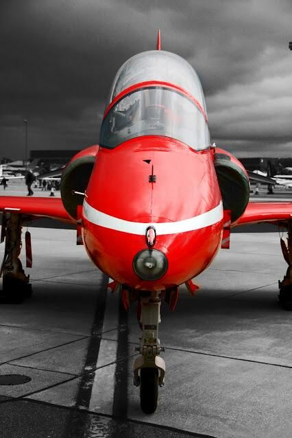 Twitter / Aviation1860: Red on grey. Static Red Arrows ...