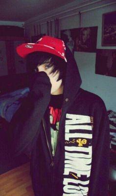 cute emo boy   Tumblr                                                                                                                                                                                 Más