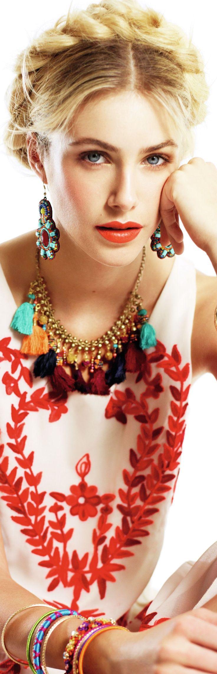 Glamour| Serafini Amelia| ROJO Y BLANCO....❤