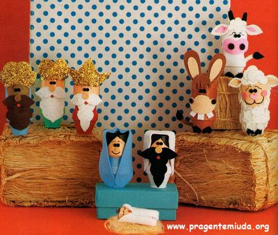 Cute activity...make a toilet paper roll nativity