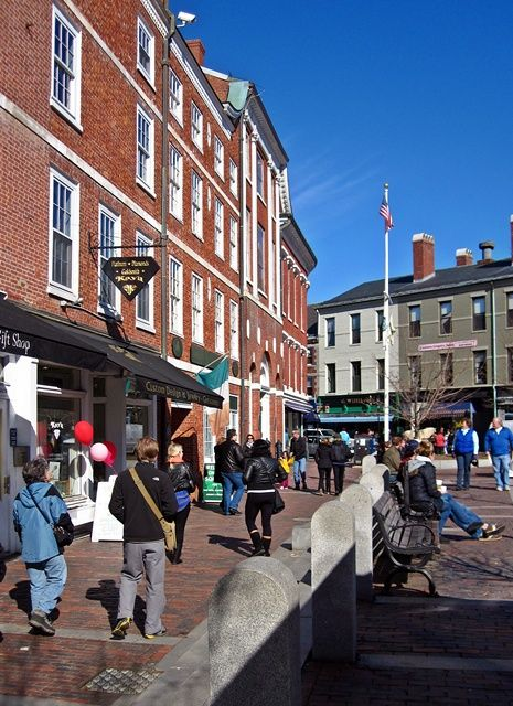 A day trip to Portsmouth, New Hampshire led by Yankee Magazine