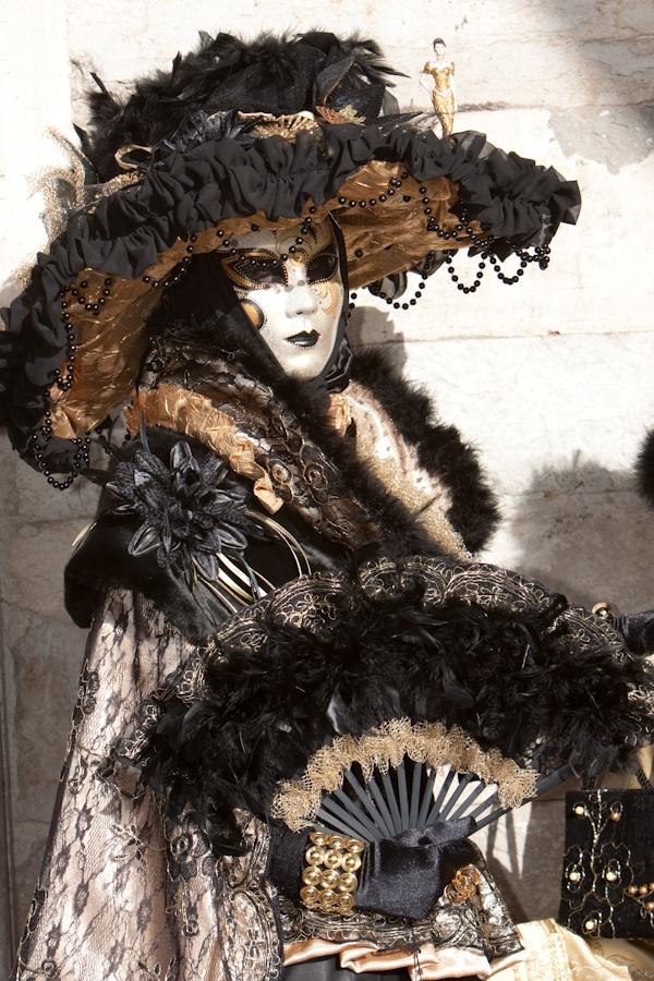Venice Beauty. I took this photo in Venice during the Venice Carnival in 2009    Mask, costume, Venice, black, gold, Venetie, kostuum, masker, zwart, goud, carnaval