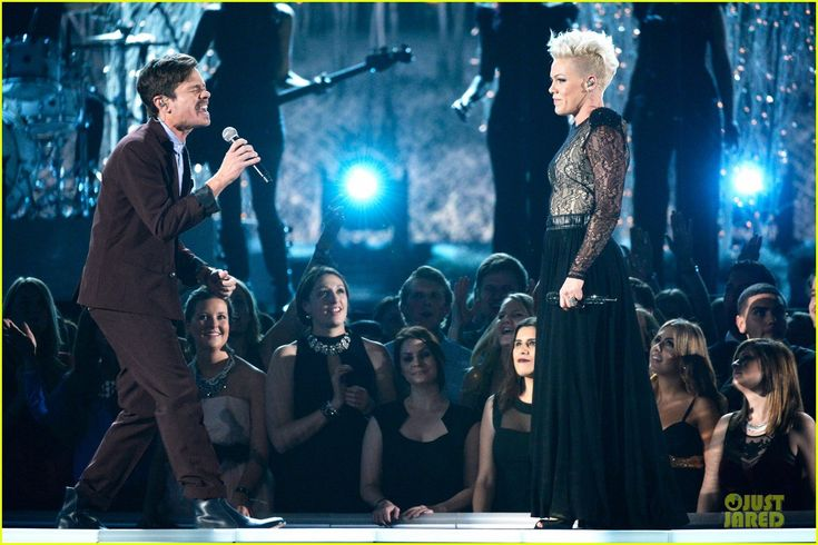 Pink Performs 'Just Give Me a Reason' at Grammys 2014 (Video) | pink nate ruess performs give me a reason at grammys 2014 video 12 - Photo