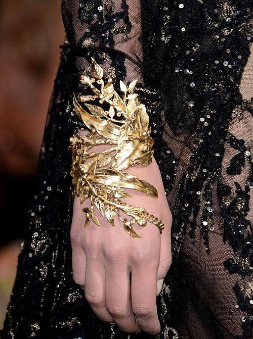 she-loves-fashion:  Elie Saab Haute Couture Fall 2015