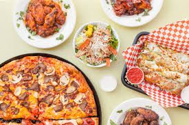 Mad Pizza is one of the best pizza place for you if you are searching for best pizza restaurants in Seattle. Also you get fastest delivery option of pizza and slices at your home with our pizza delivery option.
