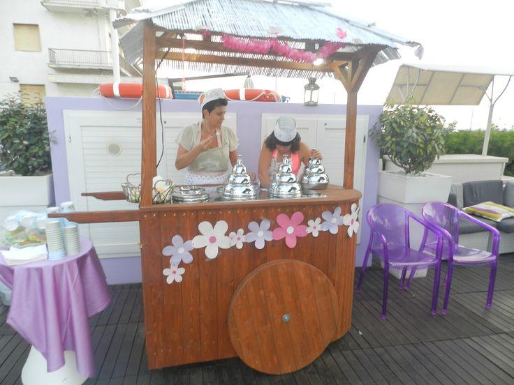 Crema, fragola, cioccolato... per rinfrescare le giornate al mare arriva il gelato... dopotutto che estate sarebbe senza un buon gelato?