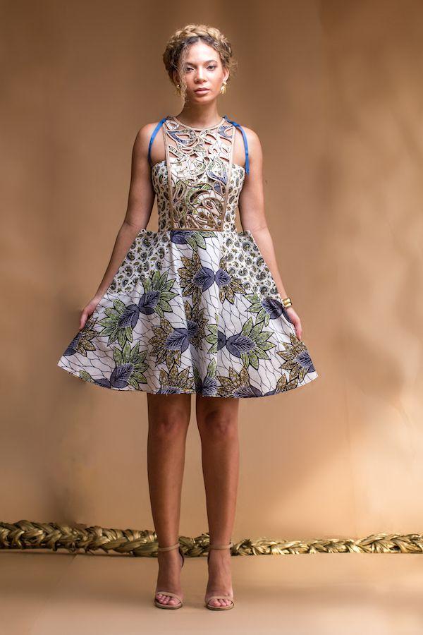 La collection Printemps Eté 2016 de la marque ghanéenne Christie Brown est juste sublime! Et les mots sont bien faibles pour l'exprimer. On ne peut qu'être ravie que la marque continue de nous étonner et nous émerveiller à la sortie de chacune de ses collections. Il y a quelques mois, c'était avec la collection Coup ...