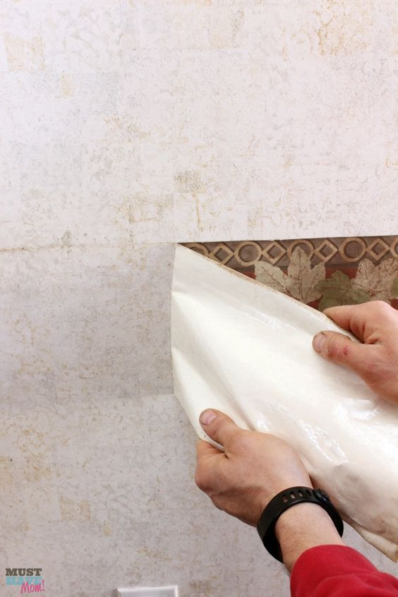 How to remove the outdated wallpaper border in your RV
