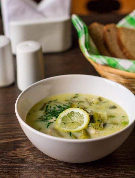 Суп из зеленых овощей с курицей