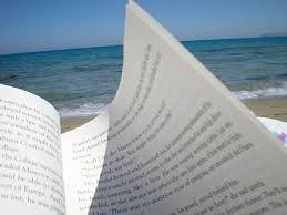 Leggere con il rumore del mare in sottofondo