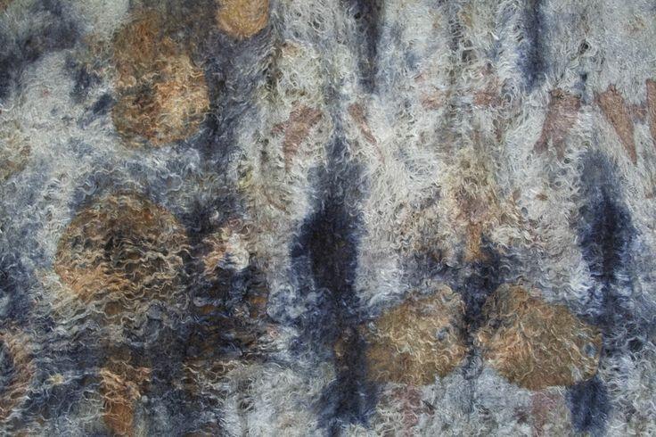 http://plastusia.blogspot.com/ logwood, alum mordant, euca leaves