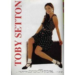 12-A nadie se le había ocurrido montar una fabrica de ropa, y Toby estableció la primera en Barranquilla. Setton se jactaba , en los años 70a ,en ser el primero en ponerle pantalones ala mujer colombiana.