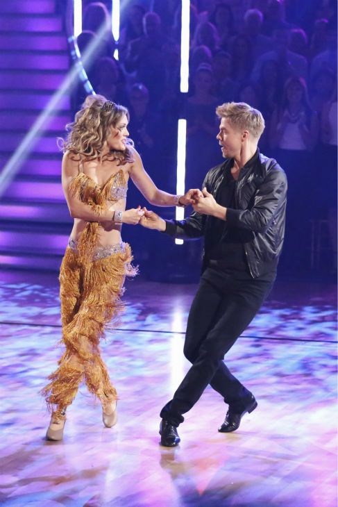 Wk1 - Derek Hough & para-olympic snow-boarding bronze medalist Amy Purdy  Cha-Cha''d their way to rave reviews