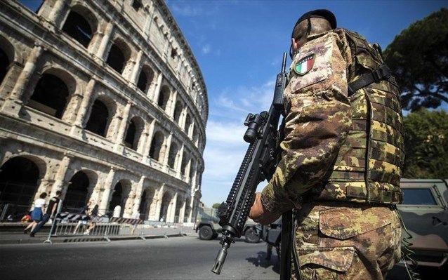 Италия опасается нападения террористов http://feedproxy.google.com/~r/russianathens/~3/A0MjuXEoF1Y/22576-italiya-opasaetsya-napadeniya-terroristov.html  По данным итальянских СМИ, которые ссылаются на информацию исламистской террористической организации ISIS, те грозят, что следующей их целью будет Италия.