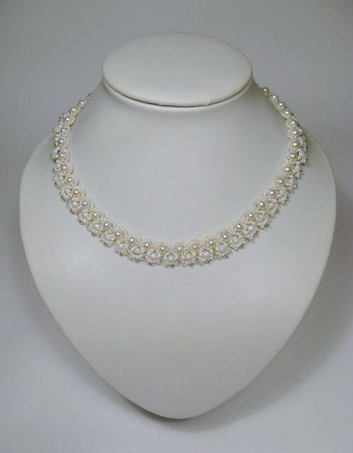 Свадебное ожерелье из бисера и жемчуга