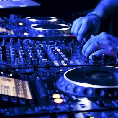 Que tal contratar um Dj do Baladas SP para sua festa? http://www.baladassp.com.br/balada-sp-evento/Brooks-SP/205