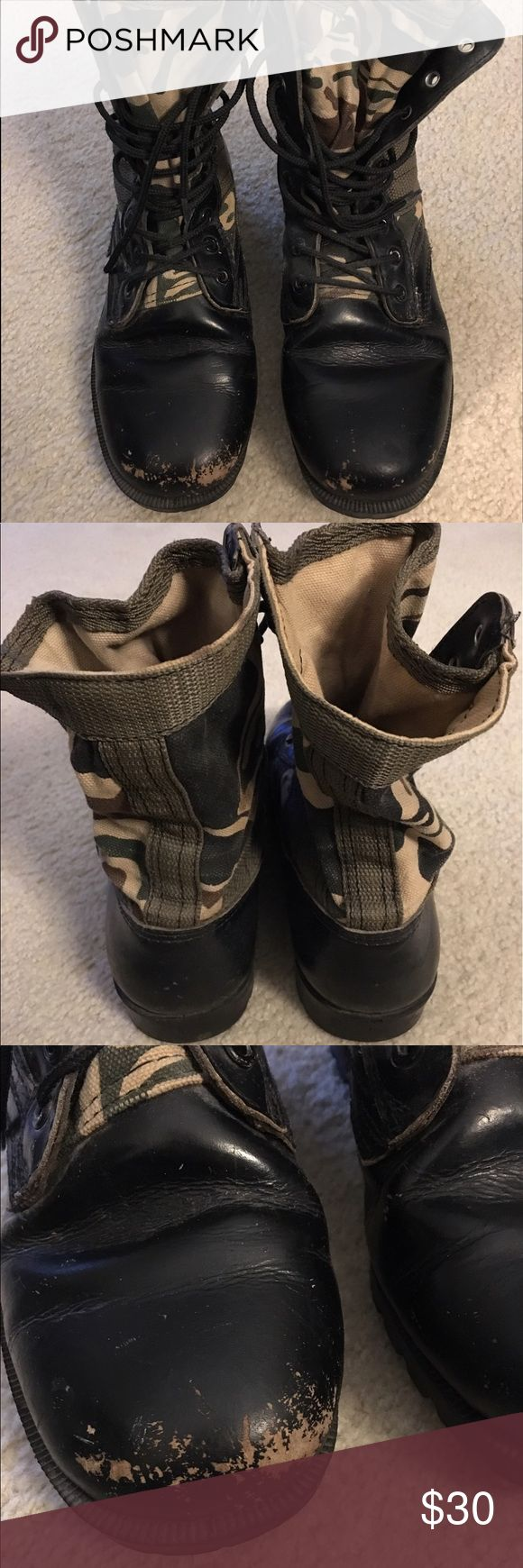 Women's Size 9 Camo/Black Military Riding Boots Women's Size 9 Camouflage & Black Military Boots Distressed leather with cloth camo uppers Very clean From a clean, smoke free home Shoes Combat & Moto Boots