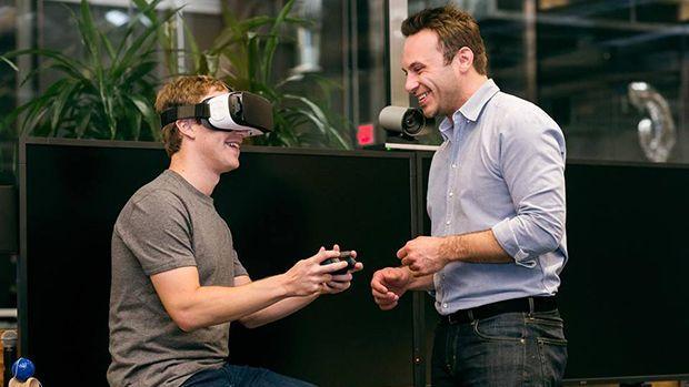 Samsung Gear VR - noul dispozitiv de realitate virtuală, cu un preț de aproximativ 100 de euro .   Odată cu lansarea celor două flagshipuri Galaxy S7 și Galaxy S7 Edge, Samsung lansează și kitul de realitate virtuală Samsung Gear VR dedica... http://www.gadget-review.ro/samsung-gear-vr/