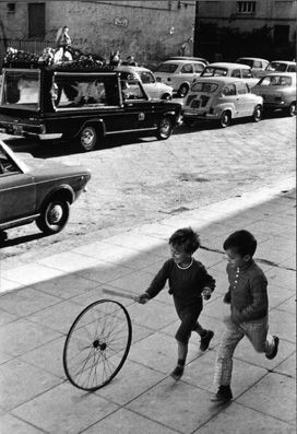 Palerme, Italy, 1971, by Henri Cartier-Bresson.