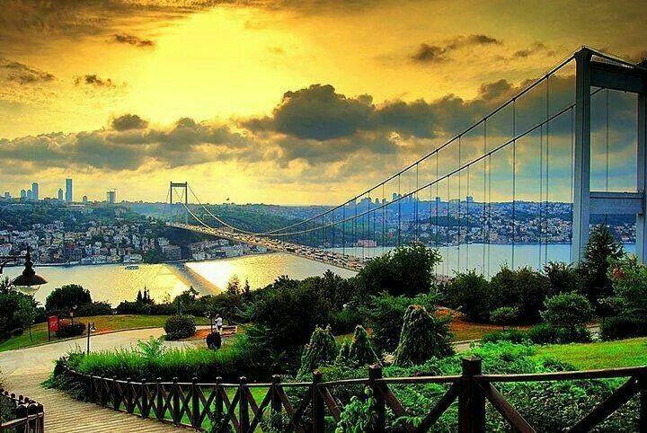 Istanbul'u dinliyorum..