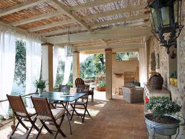 Oltre 10 fantastiche idee su mobili veranda su pinterest for Idee di veranda laterale