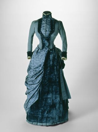 c.1884-85 Bustle dress ensemble worn to a wedding in 1885, blue silk & velvet. I can so see me wearing this.