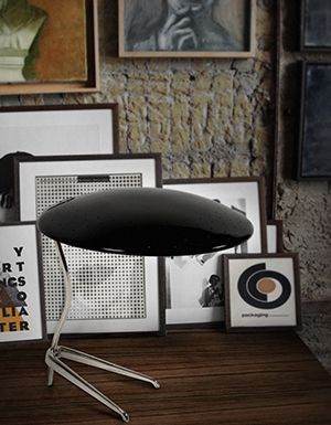 Discover the Top 20 Mid-Century Modern Table Lamp Designs and be inspired for your interior design and home decor project | www.delightfull.eu  #livingroomideas #uniqueblog #modernfloorlamps #contemporarylighting #modernhomedecor #interiordesignideas #interiordesignproject #homedesignideas #midcenturystyle #moderndesign #luxurydecor #uniquelamps