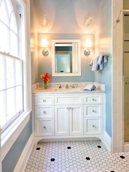 Delightful Bath, the tile and knobs are awesome!