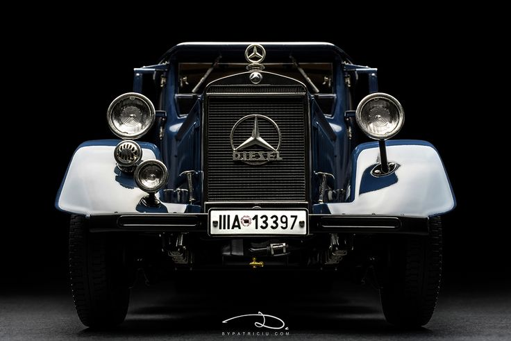 Mercedes-Benz Lo2750, 1934 - model made by CMC in 1:18th scale.