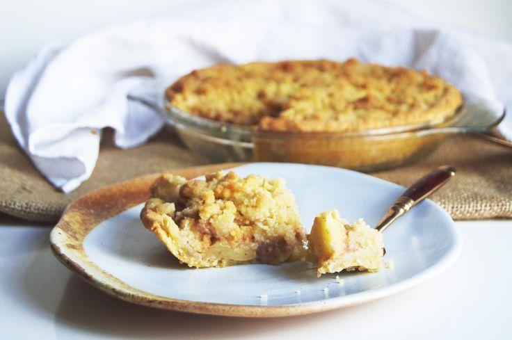 Vegan German Apple Crumble Pie