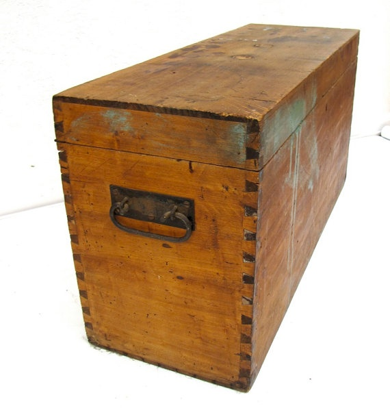 1000 images about wooden storage chest ottoman on pinterest for Vintage wooden storage boxes