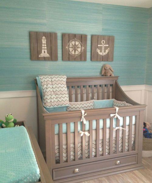 Por muito tempo eu pensei em fazer o quarto de Catarina em azul. Entretanto, na época da minha gestação, não encontrei ideias suficientemente inspiradoras