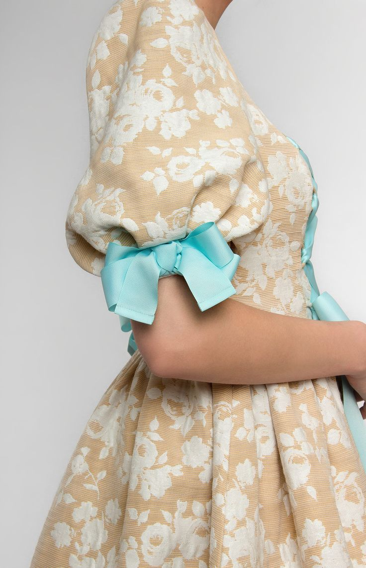 Balloon natural jacquard cotton dress trimmed with ribbon. Balloon sleeves. Hidden back zip closure. Without pockets. #Pintel #babydoll #cocktail #party #dress #cute #pretty #bow #cotton #floral #jacquard #midi #balloon #rococo #style