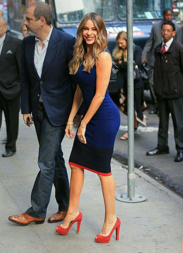 blue dress + red heels /Sofia Vergara
