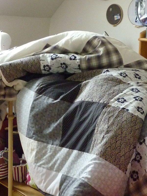 couvre lit d 39 hiver en sortant de l 39 cole patchwork pinterest. Black Bedroom Furniture Sets. Home Design Ideas