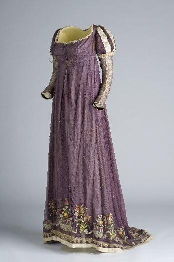 Evening dress, c. 1810, possibly Spanish.