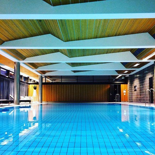 #morningswim in the spirit of #lostintranslation. #turquiose #1970s #swimmingpool #midcenturymodern #architecture #langvikhotel http://www.langvik.fi/