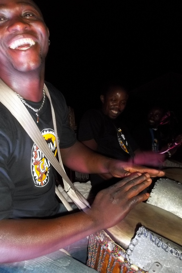 Drumming and dining at moyo Fountains with drumcafe