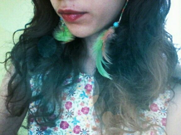 Feather earring (Sister)