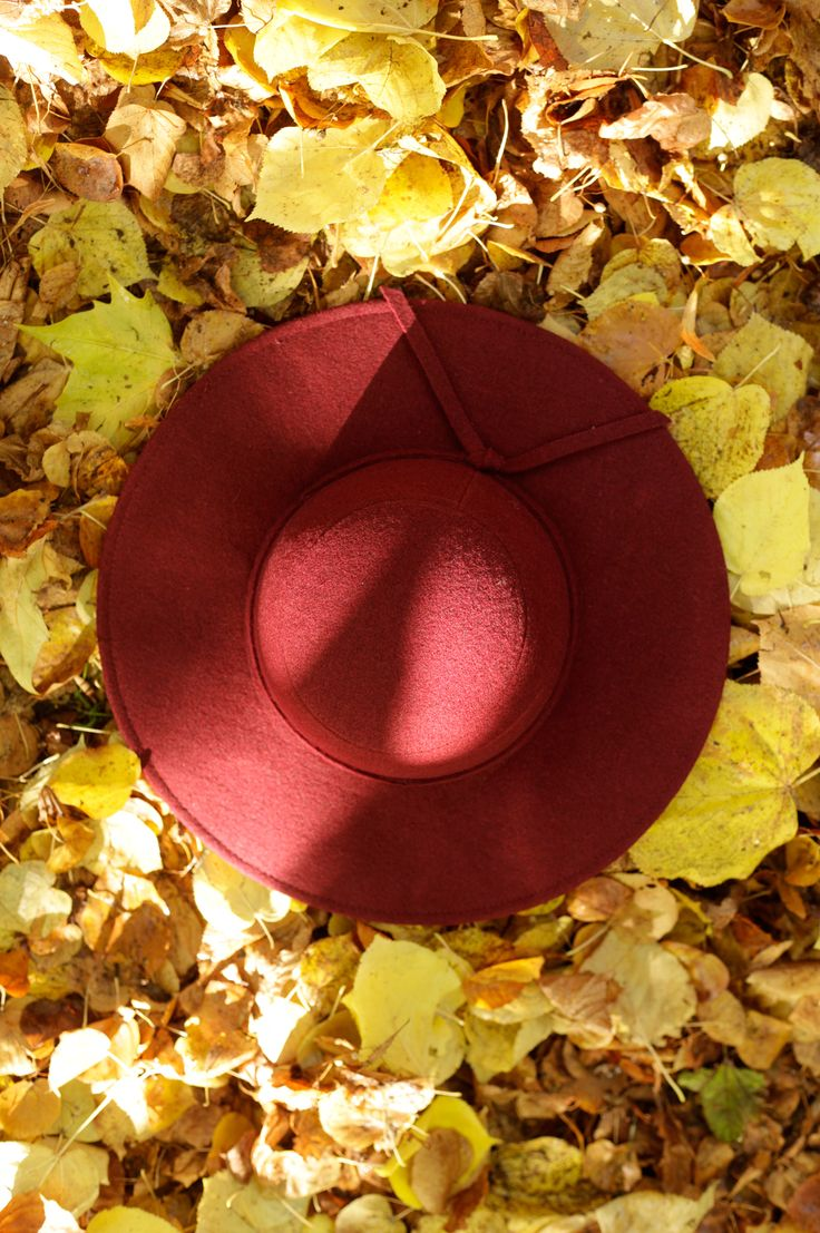70s inspired floppy hat from Carousel #Autumn #style #70s