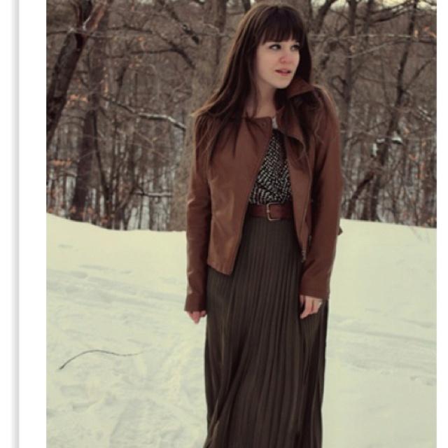 Maxi skirt Winter Leather jacket #winter #maxi #wintermaxi