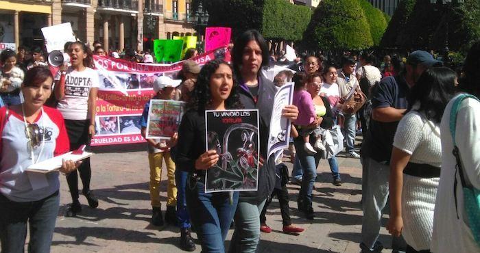 #Ciudadanos en León, GTO, marchan por los derechos animales y piden cárcel para agresores - SinEmbargo: SinEmbargo Ciudadanos en León, GTO,…
