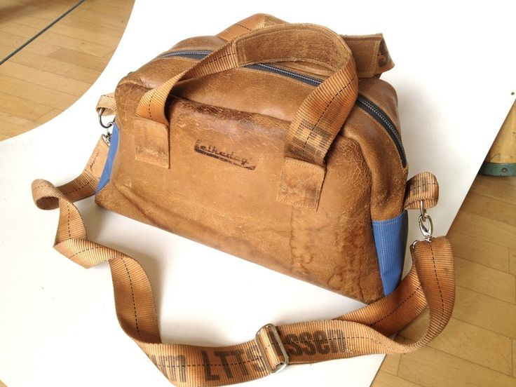 Leder-Reisetasche/Bowlingtasche // leather bowling/overnight bag via DaWanda.com