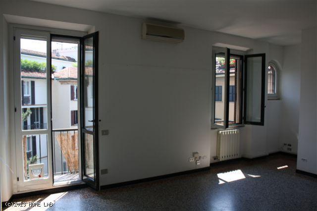 Bilocale nel cuore di Brera - Via Madonnina, Milano http://www.home-lab.org/it/abitazioni?view=property&id=302:via-madonnina-milano