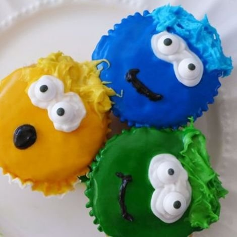 Chill Out with Club Penguin Cupcakes