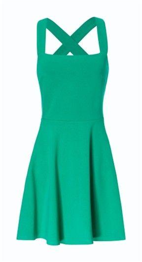no accesorios is long, green este vestido es largo consta de una sola pieza , color verde no tiene mangas solos cuerpo , con pequeñas r
